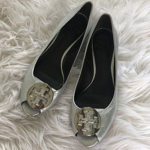 Tory Burch Silver Tumbled Leather Kitty Wedge 8